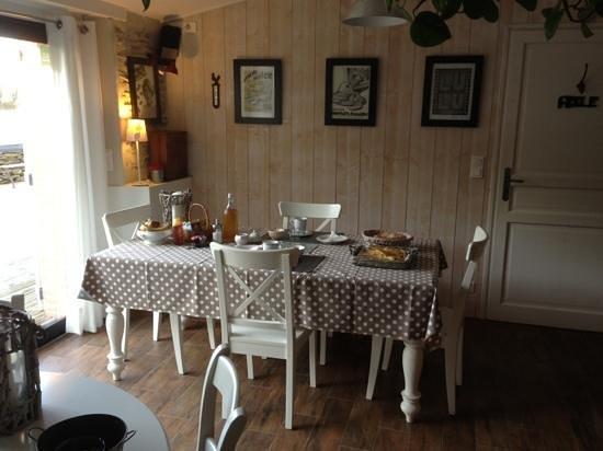 Saha :                   salle de petit déjeuner