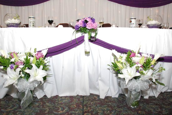 Prestige Hotel Vernon:                                     Head Table