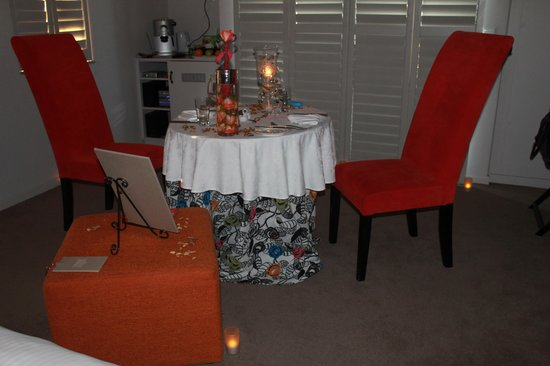 Abalone House & Spa :                                                       Private Engagement in our suite
