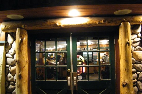 Black Bear Diner: entrance