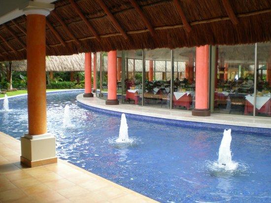 Barcelo Maya Tropical: sala colazioni