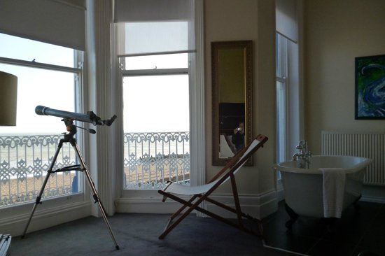 Waterside Hotel :                                     'Sunrise' room