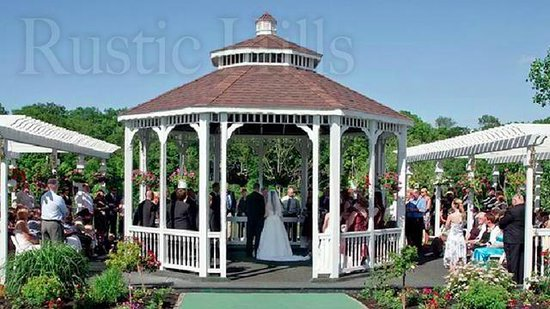 The Fireside Restaurant at Rustic Hills Country Club: Wedding Ceremony in the Grand Gazebo overlooking Rustic Hills Lake
