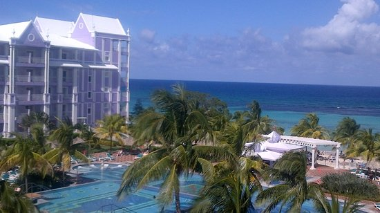 Hotel Riu Ocho Rios:                   View from balcony