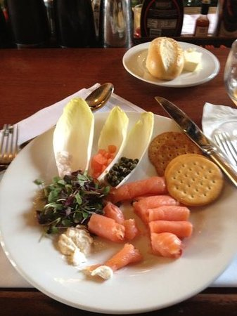 Stockton Inn:                                     smoked salmon plate