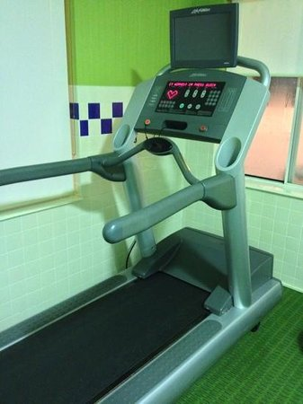 Fairfield Inn & Suites Sandusky: workout room