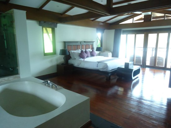 The Village Coconut Island Beach Resort:                   MASTER BEDROOM