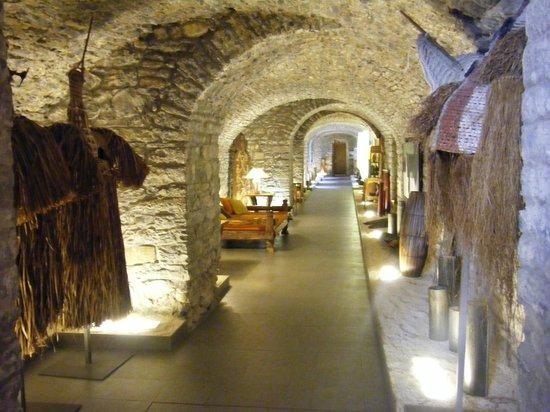 Barcelo Monasterio de Boltana: uno de los pasillos, magnifica rehabilitacion
