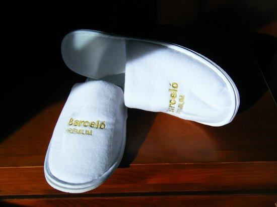 Barcelo Monasterio de Boltana: Obsequio zapatillas