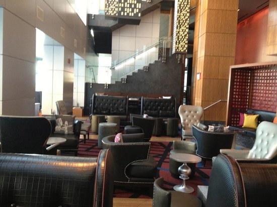 W Hoboken: Lounge area with free coffee in AM