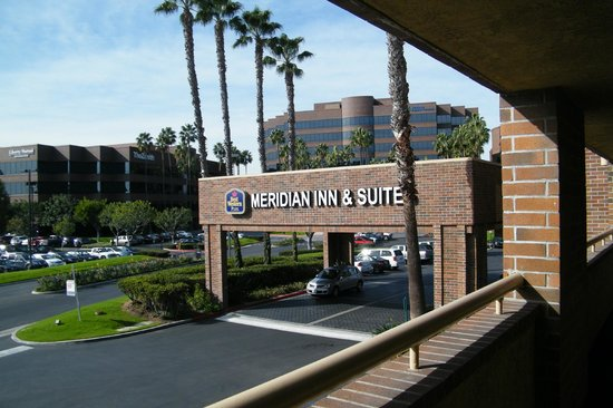 BEST WESTERN Plus Meridian Inn & Suites, Anaheim-Orange: front entrance
