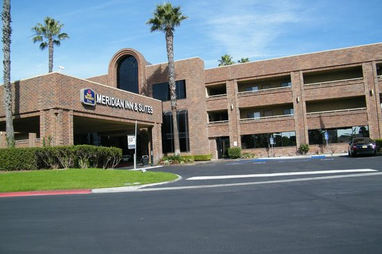 BEST WESTERN Plus Meridian Inn & Suites, Anaheim-Orange: front of hotel