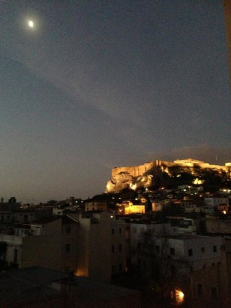 Central Athens Hotel:                                                       amazing early morning view of acropolis fr