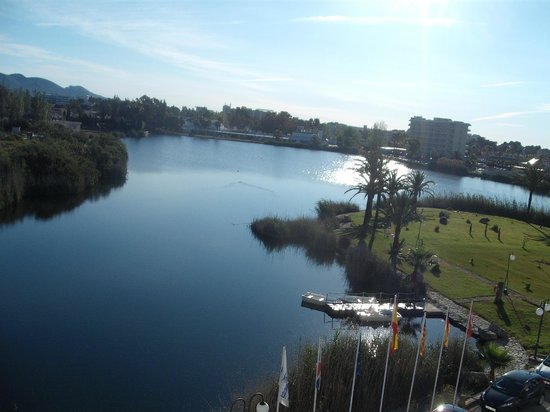Eix Lagotel:                   Lake view from 302