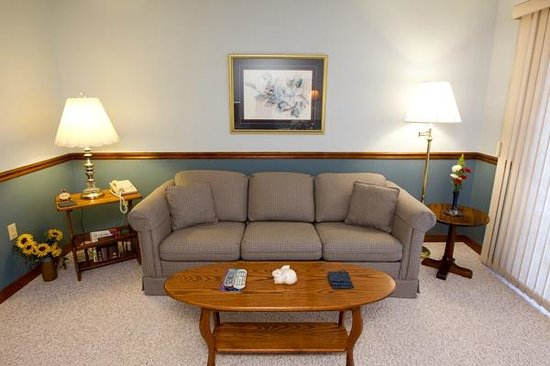 Red Bud Cove Bed and Breakfast Suites: Comfortable Suites