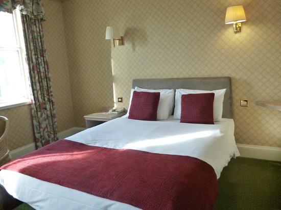 Avon Gorge Hotel:                   bed