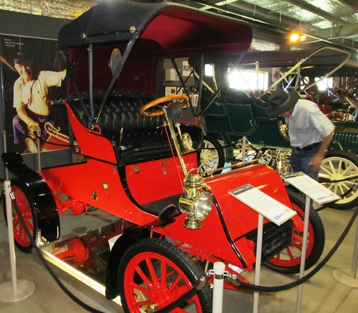 Wonders of Wynyard Exhibition Centre:                   The oldest Ford in Australia - a 1908 Model A