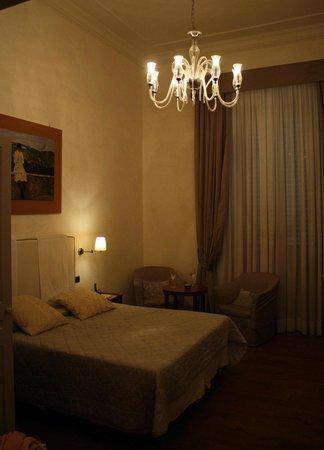 Il Salotto di Firenze :                   Beautiful Room