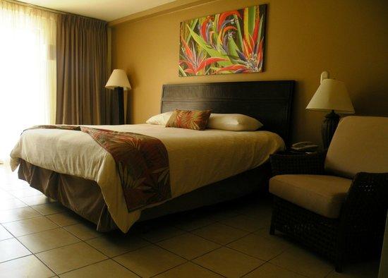 Flamingo Beach Resort & Spa :                                     Grand lit confortable