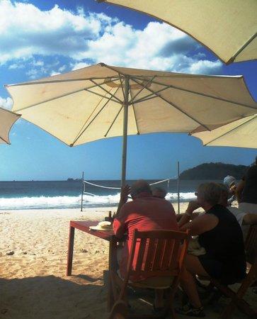 Flamingo Beach Resort & Spa :                                     Resto Coco Loco non loin de l'hôtel