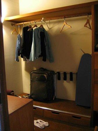 Asilomar Conference Grounds : Room - Closet area