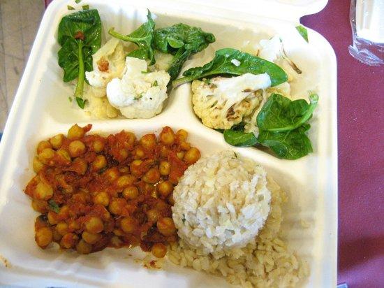 أسيلموار كونفرنس جراوندز: Lunch - cauliflower and chickpeas