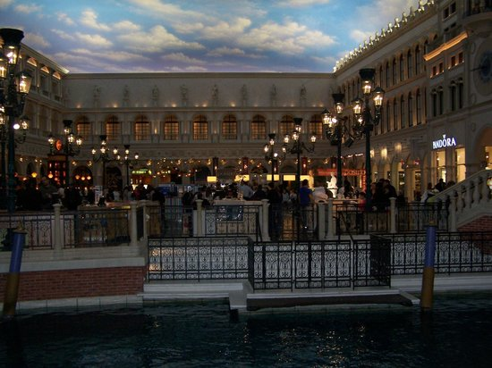 The Palazzo Resort Hotel Casino: Canal Shopping