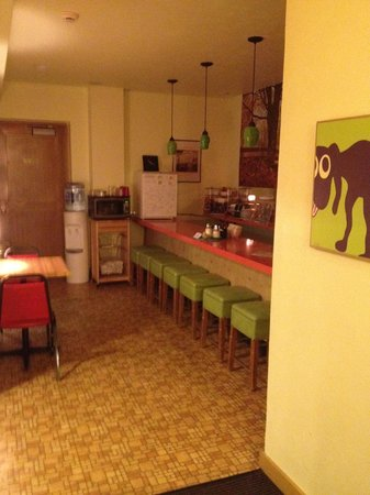 Holiday Music Motel:                   cute breakfast area!