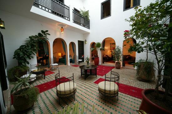 Riad Les Trois Mages: Les Trois Mages Courtyard