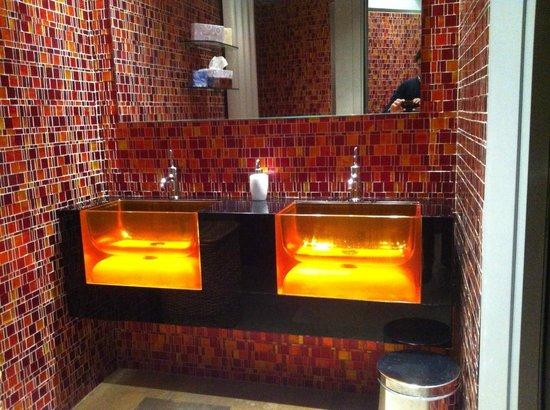Hotel Premier & Suites:                   Bagno di servizio