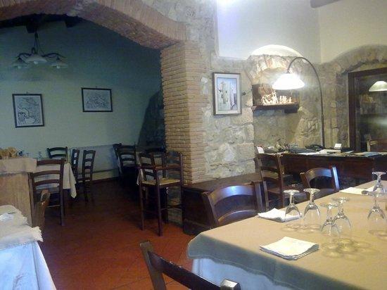 sala da pranzo - Picture of Agriturismo San Cristoforo, Galluccio ...