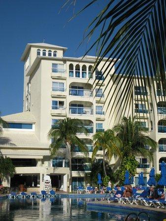 Occidental Costa Cancun :                                                       Le complexe hôtelier