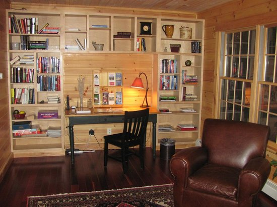 Nestlewood Inn:                   Library area to relax and read