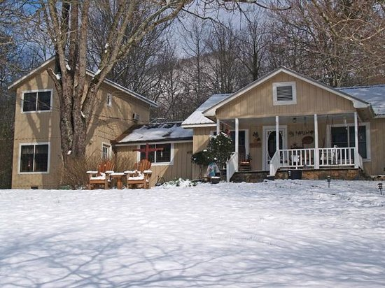 Henson Cove Place B&B: winter is the perfect time for a short and sweet getaway.