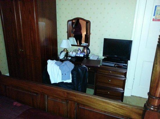 Kildonan Lodge Hotel :                   Four Poster room