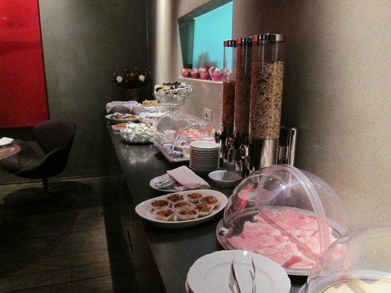 Palazzo Segreti: Desayuno rico