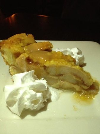 Cafe Aroma: apple pie with glaze/sauce