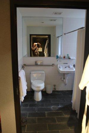 Night Times Square:                   banheiro grande