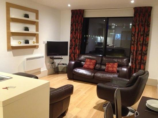 L3 Living - The Merchant Quarters, Liverpool:                                     junior suite room 8... fantastic