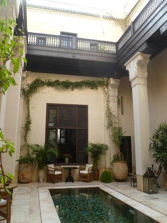 Riad Dixneuf La Ksour:                   Courtyard