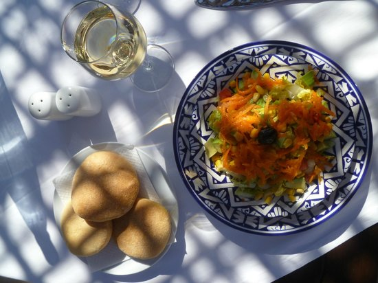 Riad Dixneuf La Ksour:                   Lunch on the terrace