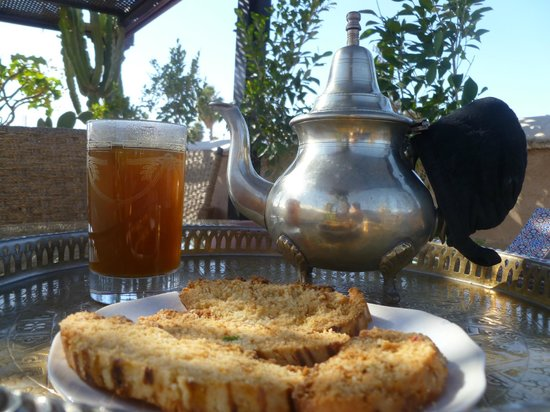 Riad Dixneuf La Ksour:                   Tea on the terrace
