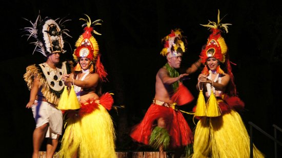 Wailele Polynesian Luau: Hawaiian dance