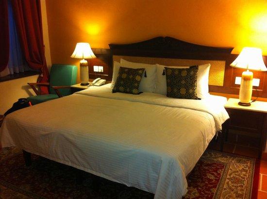 Yeng Keng Hotel: bed