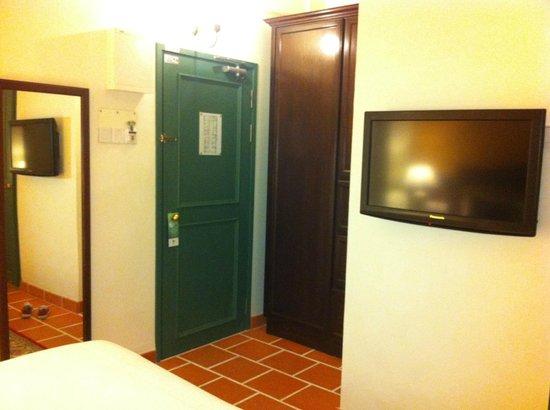 Yeng Keng Hotel: door
