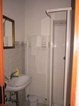 La Liero : bagno camera