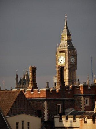 Novotel London Waterloo:                   Vista da janela do apartamento