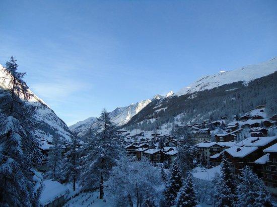 Allalin Swiss Alpine Hotel :                   Vista da janela do apartamento