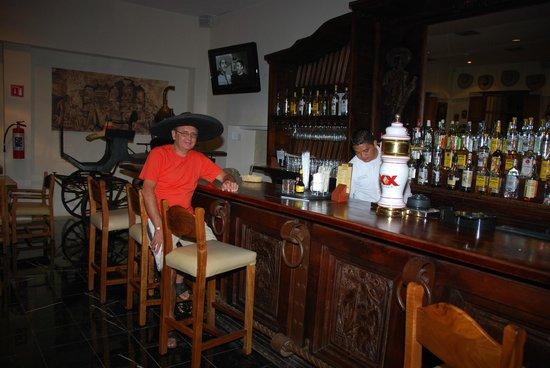 Grand Oasis Palm:                   Bar, styczeń 2013