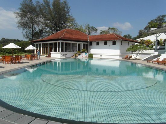 Cinnamon Citadel Kandy: the pool